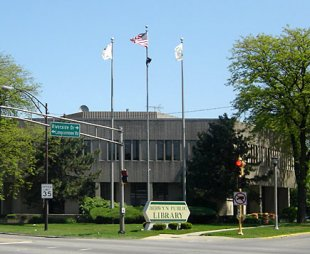 Public Library-Berwyn, Illinois Public Library (view from Harlem Avenue) (medium sized photo)