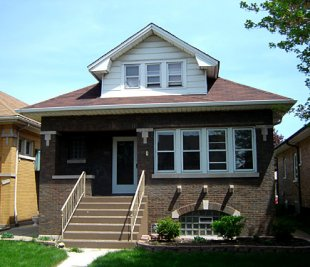 Bungalow-A typical bungalow in Berwyn, Illinois (medium sized photo)